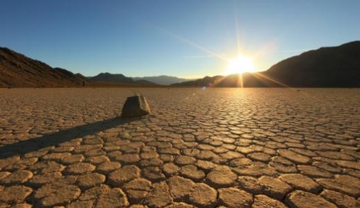 米デスバレーってどこ?砂漠で世界最高の気温?暑いのに生物いる?