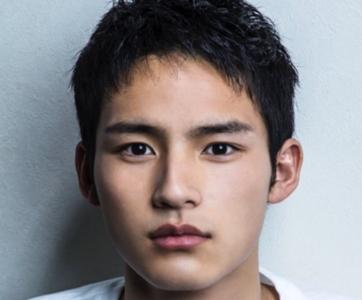 岡田健史「中学生日記」で有村架純とキス?デビューのきっかけは?